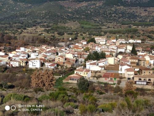 Vista de parte del pueblo desde el monte