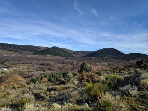 Vista del valle y Horcajo desde el monte